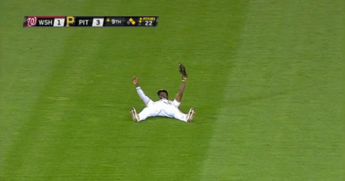 Andrew-mccutchen-catch2